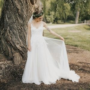 Ivory Tulle and Lace A-Line Wedding Gown
